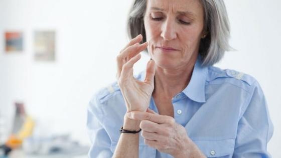 dolori-articolari-in-menopausa.jpg